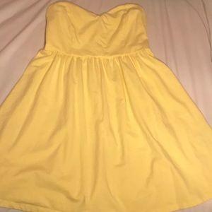 Yellow sweetheart strapless dress 💛🌼